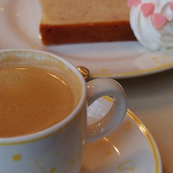 薔薇とフランボワーズのパウンドケーキ